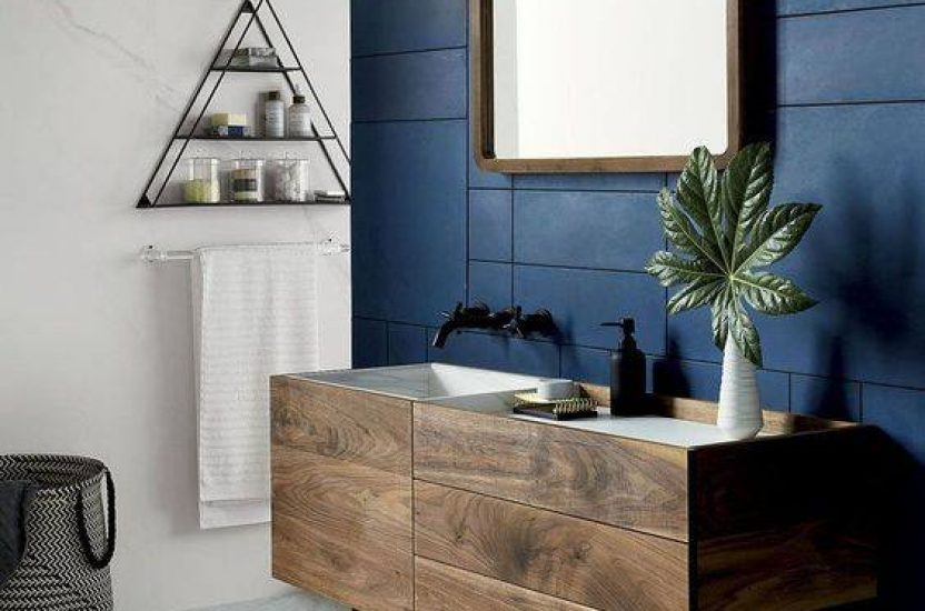 Masculine bathroom design ideas – blue tiles